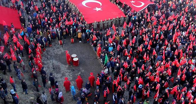 93 Harbinin Kahramanı Nene Hatun'un Kabri 10 Bin Kişiyle Ziyaret Edildi!