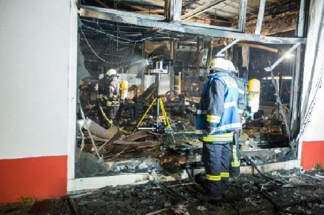 Almanya'da Türklerin İşyerlerini Yakıp Yıktılar!