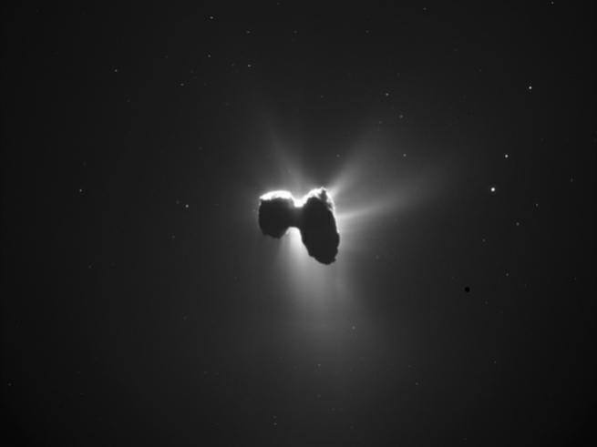 Rosetta Uzay Aracı Tarafından Çekilmiş En Etkileyici 10 Fotoğraf