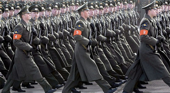 Ukrayna'dan Rus erkeklere ülkeye giriş yasağı