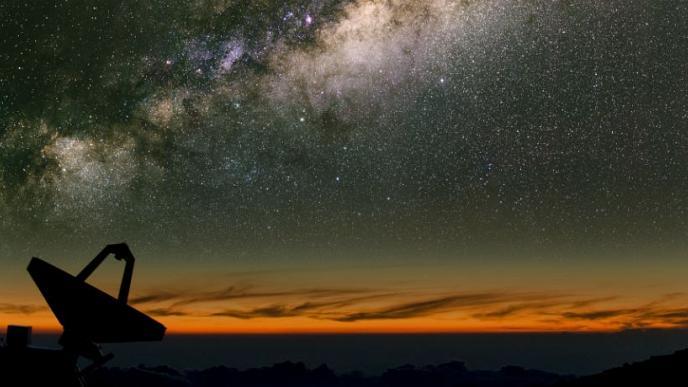 Uzayın derinliklerinden gizemli sinyaller, 1,5 milyar yıl uzaktaki galaksiden haber var