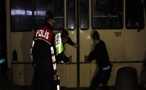 15 Kişilik Köy Minibüsünden 43 Mülteci Çıktı
