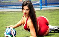 Brezilyalı Model Vücuduna Rusya'nın FIFA 2018 Maskotunu Çizdirdi