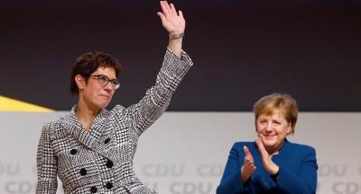 CDU, Merkel'in halefini seçti