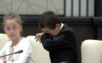 Erdoğan'a Terör Olaylarını Soran Çocuk, Gözyaşlarına Boğuldu