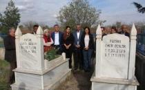 HDP Milletvekilleri, Öcalan'ın Anne ve Babasının Mezarını Ziyaret Etti