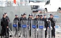 Polisten TOMA'lı, Gazlı 'Taksim' Müdahalesi! 42 Gözaltı