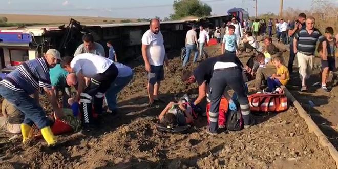 Yolcu Treni Raydan Çıktı! Kaza'dan İlk Görüntüler