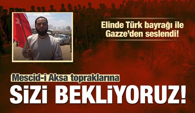 Elinde Türk Bayrağı İle Türklere Seslendi!